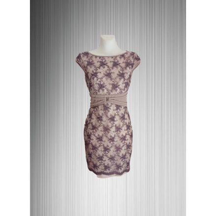Elegáns csipkebetétes ruha